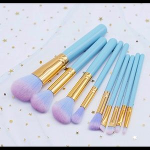 Baby blue brush set